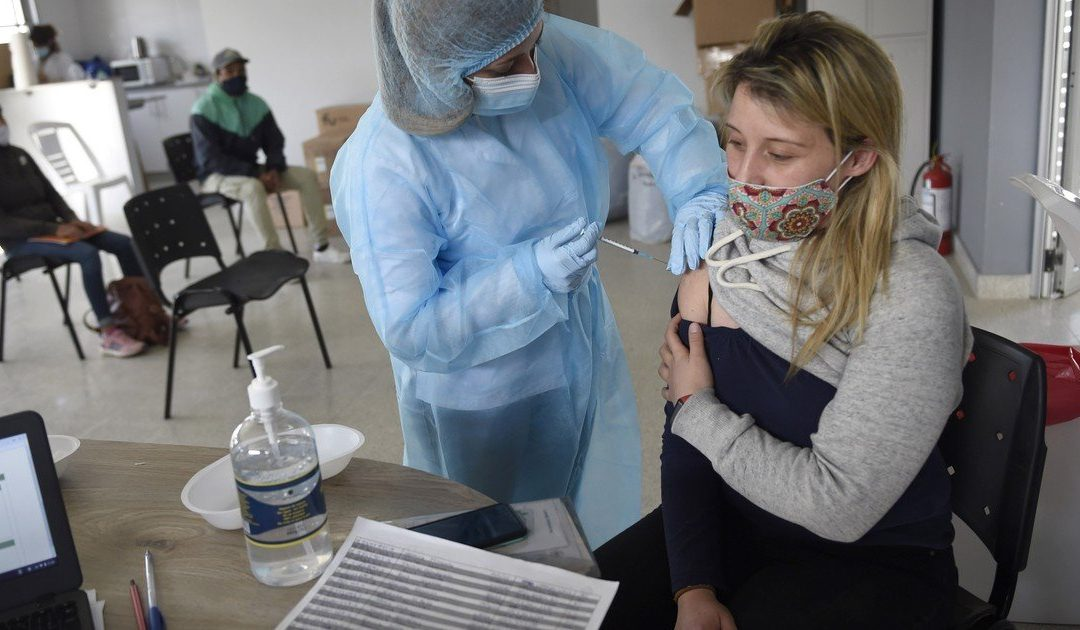 Uruguay will apply a third dose of Pfizer to those already immunized with the Coronavac vaccine